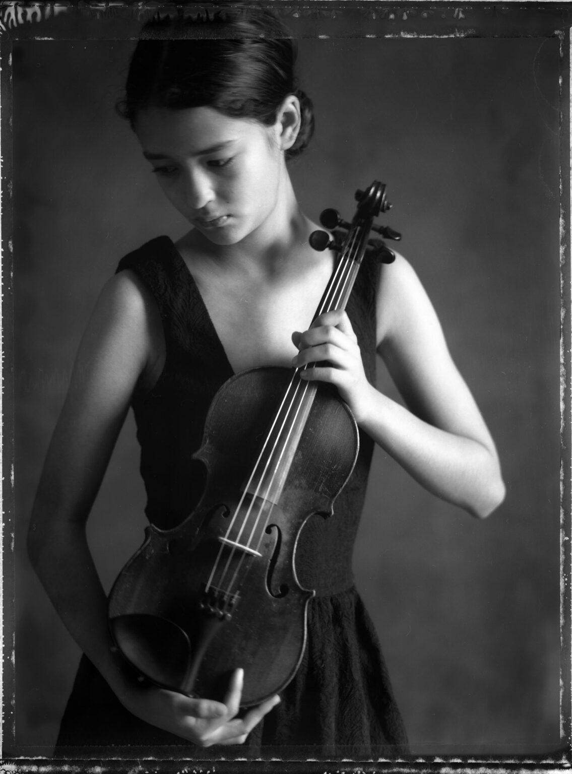 55-Alex-viola